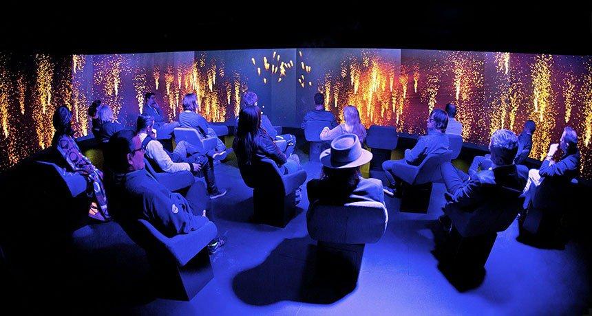 Feuerwerk - VR-Raum - Panik City Tour